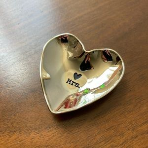 """Silver """"Mrs."""" heart shaped ring/jewelry dish"""